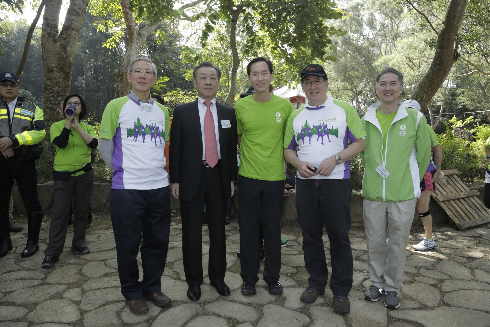Oxfam Trailwalker Kick-Off Ceremony was held at 11am today and was officiated by Dr. Stephen Fisher, Director General, Oxfam Hong Kong (first from right), Dr York Chow Yat-Ngok, Chairperson, Equal Opportunities Commission (second from right); Mr. Bernard Chan, Chairman, Oxfam Trailwalker Advisory Committee (third from right) and Dr. Lo Chi Kin, J.P., Chair, Oxfam Hong Kong Council (first from left).