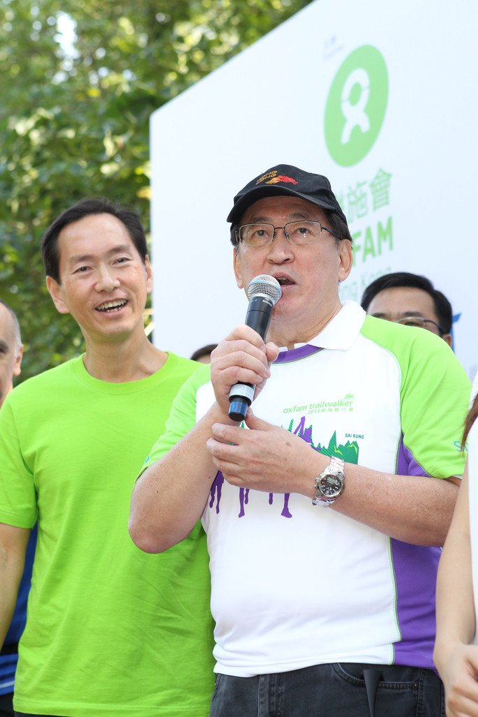 Oxfam Trailwalker 2013 Official Kick-off Ceremony was officiated by Mr. Bernard Chan, Chairman, Oxfam Trailwalker Advisory Committee (left) and Dr York Chow Yat-Ngok, Chairperson, Equal Opportunities Commission (right).
