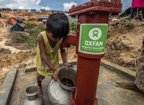 In Kutupalong refugee camp, many children collect water from Oxfam's water pump for their family members. (Photo: Tommy Trenchard/Oxfam)