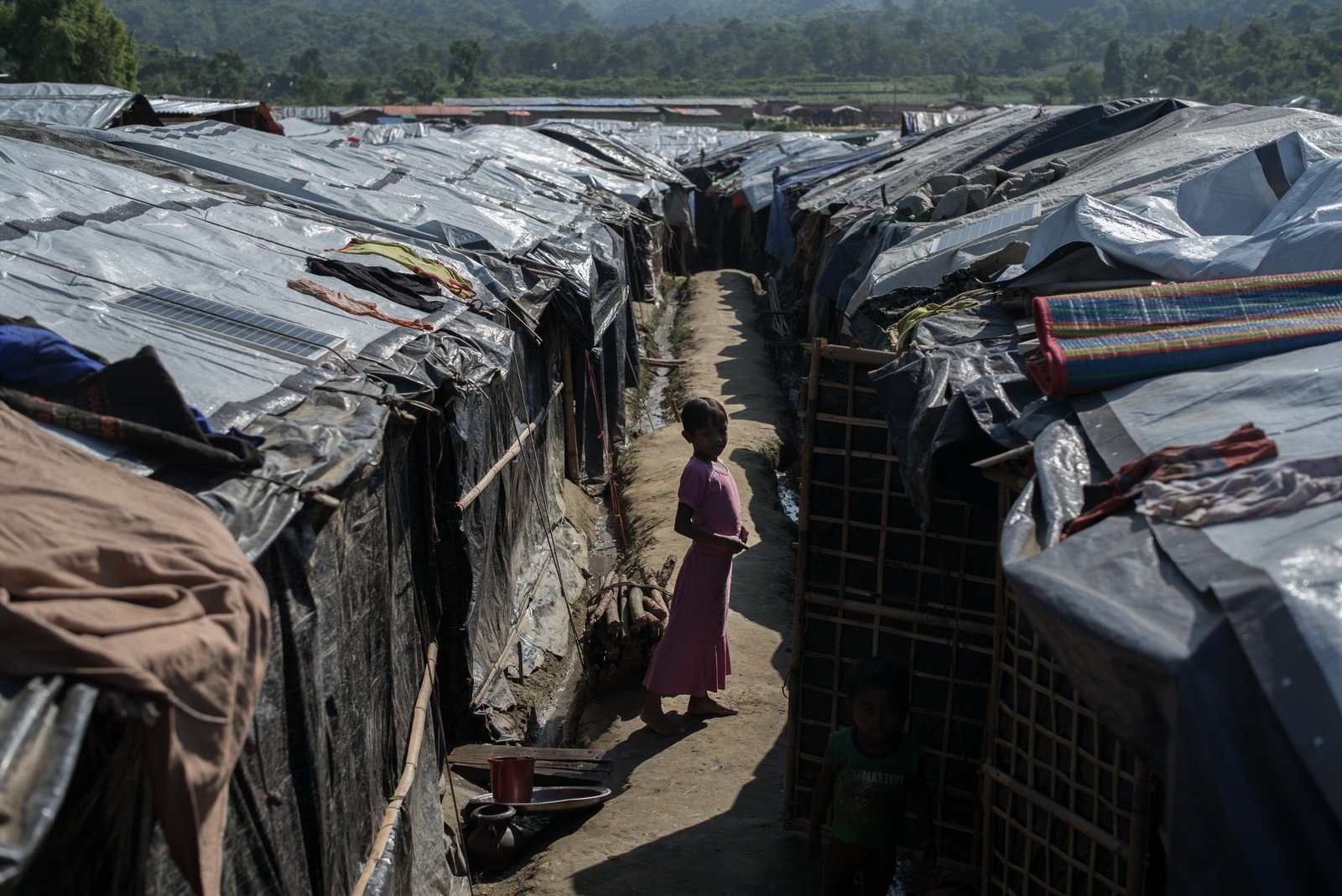 Countless Rohingya refugees have fled to Bangladesh and settled in makeshift camps like this one in Cox's Bazar. (Photo: Ko Chung Ming/Oxfam)