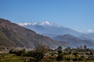 Nepal possesses eight out of ten of the highest peaks in the world. Despite the beauty of these snow-capped mountains, climate change poses a significant threat to Nepalese communities as it can lead to outburst floods from glacial lakes. (Photo: Aurélie Marrier d'Unienville / Oxfam)