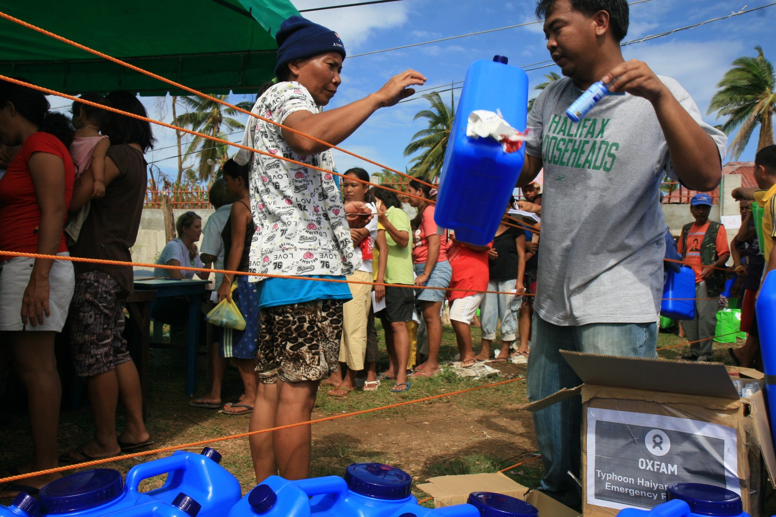 Oxfam's hygiene and water purification kits were distributed to over 700 families in the coastal region of Daanbantayan over two days.