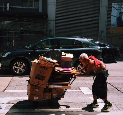 Image of Poverty in Hong Kong and Oxfam's Advocacy Work